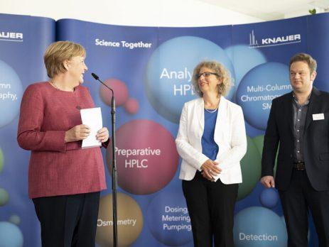 Merkel besuchte KNAUER Wissenschaftliche Geräte GmbH